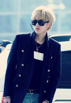 Kris ( Wu yifan )♥ Airport Fashion