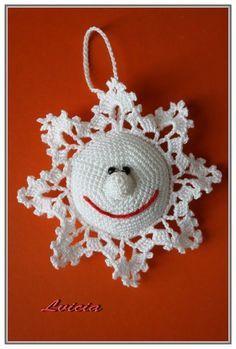 Smiling Snowflake Ornament! ornamento de natal