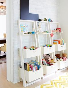 Przechowywanie zabawek: pudełka i regały