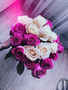 flower Love Rose Flower, Pretty Flowers, Book Flowers, Flower Boxes, Rain Wallpapers, Luxury Flowers, Flower Aesthetic, Flower Images, Beautiful Roses