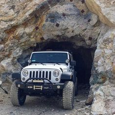 Go check out @jku_rdb  Also go click the link on our profile and check out our website where you can create a build page and share your build with your followers. by livinthejeeplife