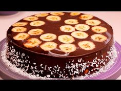 Fara cuptor, oua sau crema! Cea mai gustoasa prajitura gata in 5 minute | SavurosTV - YouTube Romanian Recipes, Romanian Food, Weight Watchers Desserts, No Cook Desserts, Nicu, Bananas, Pilates, Creme, Cooking Recipes