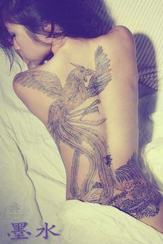 Pretty-Asian-Girl-With-Full-Back-Tattoo.jpg (467×700)