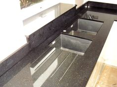 69 Ideas For Kitchen Window Sill Granite Granite Worktops, Granite Kitchen, Kitchen Flooring, Glass Tile Backsplash, Kitchen Backsplash, Kitchen Worktops, Kitchen Interior, Kitchen Decor, Kitchen Ideas