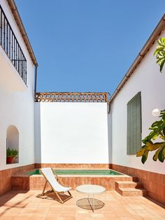 Rural house recovers Extremadura's rich craft tradition - Domus Outdoor Decor, Interior And Exterior, House, Two Storey House, Small Pools, Rural, Guest House, Spain Design, Rural House