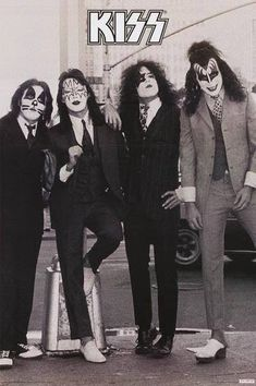 Paul Stanley, Gene Simmons, Ace Frehley, and Peter Criss of KISS are Dressed to Kill in this great poster! Check out t Kiss Band, Kiss Rock Bands, Paul Stanley, Gene Simmons, Kiss Musik, Pop Punk, Beatles, Heavy Metal, Rock Band Posters