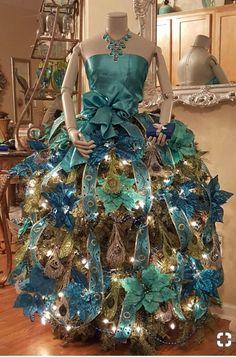 Mannequin Christmas Tree, Peacock Christmas Tree, Dress Form Christmas Tree, Whimsical Christmas Trees, Christmas Tree Themes, Elegant Christmas, Holiday Tree, Xmas Tree, Christmas Tree Decorations