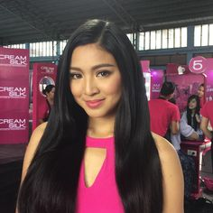 "Jelly Eugenio on Instagram: ""The new Creamsilk teen ambassador, Nadine Lustre styled by @maregicruz @iamrolee hair by @rjdelacruz assisted by @iamantoniopapa #makeupbyjellyeugenio #NARS #narsissist @faboulash Thank you @nadzlustre @miguellaureta @vivaartistsagency"" Filipina Actress, Filipina Beauty, Black Girl Braids, Girls Braids, Lady Luster, Nadine Lustre, Jadine, Gorgeous Women, Beautiful"