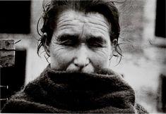 Robert Capa - Madrid, Spain, Winter 1936-1937. Visitar página Ver imagem