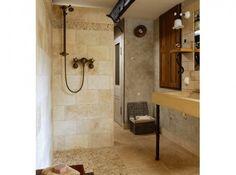 Petite salle de bains de 8 m²