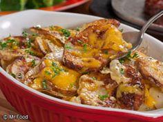 Easy Au Gratin Potatoes are a cheese-lover's dream! #sidedish #recipe #comfort