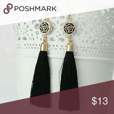 SALE!!! Gold tone earings with tassels Brand new Jewelry Earrings