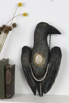 Radcliffe Raven - Pantovola art dolls and textile art Textile Sculpture, Soft Sculpture, Textile Art, Sculptures, Art Populaire, Textiles, Doll Painting, Witch Art, Art Archive