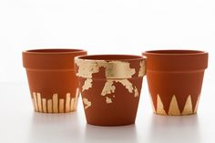 Who knew rustic clay pots could look so glam?