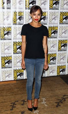 Zoe Kravitz went for a simple look, pairing a black t-shirt with jeans and pumps at a press event for the movie Divergent