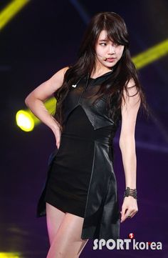 MissA Suji 수지 Miss A Suzy, Bae Suzy, Stage Outfits, Korean Singer, Punk, Actresses, Kpop, Star, Black