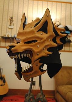 what I like about this Helm design is how it would look like on my finished character design. WIP Leather and Bone Wolf Helm Commission by *Epic-Leather on deviantART Leather Mask, Leather Armor, Tan Leather, Cosplay Armor, Cosplay Diy, Larp, Imprimente 3d, Wolf Mask, Wolf Helmet