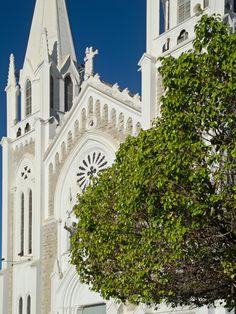 http://vivaosertao.com.br/index.php/experiencias/item/45-catedral-de-petrolina