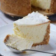 Pina Colada Cheesecake Polish Desserts, Polish Recipes, Just Desserts, Delicious Desserts, Yummy Food, Cheesecake Recipes, Dessert Recipes, Sweet Pastries, Dessert Bread