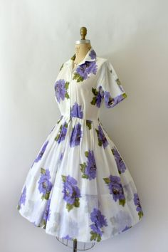 20 SALE 1950s Vintage Dress 50s Floral by Sweetbeefinds on Etsy