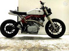 Yamaha XV 750 Street Tracker