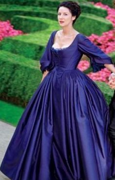 Outlander - I wish there were more images of this purple dress!