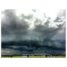 #dark #clouds over #naia #sky #rainy #seadon #airport  #philippines 何か変な天気。 #空 #雲 #フィリピン #雨季 #空港