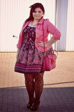 This dress, jacket and shoes are just too cute. I really like them. Did I mention pink is my favorite color?