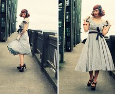 love this dress! (via http://living-vintage.blogspot.com) #50s #vintage #dress