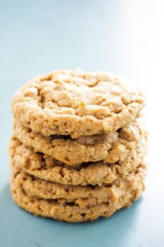 GLUTEN FREE PEANUT BUTTER COOKIES – simple 5-ingredient recipe that is so delicious that you will have to resist hard not to eat the entire batch. And well, if you do devour every last cookie that's okay it only makes about 18. I first published this recipe back in 2014 and the first few following …