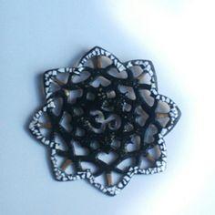 Colgante de cobre - laca japonesa #joyasdeautor #accesorios #handmade #fashion #jewelry #moda #collares #chile