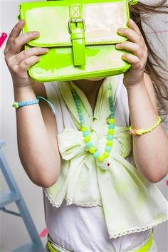 Neon Kids Party with neon brief case and DIY bracelets. By Veritas.