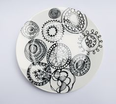funky circles dinner plate.