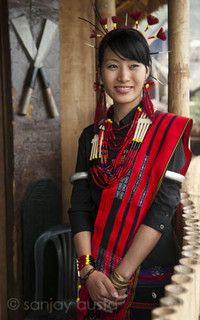 Beautiful Naga girl, Nagaland, India by sanjayausta Tribal Dress, Ethnic Dress, India Fashion, Ethnic Fashion, Naga People, Costume Ethnique, Indian Tribes, We Are The World, Koh Tao