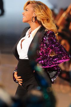 Beyonce- One of the most touching moments I've seen on an awards show EVER!