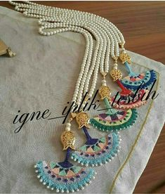 Imitation jewelry The Effective Pictures We Offer You About crochet A quality picture can tell you many things. Textile Jewelry, Fabric Jewelry, Diy Jewelry, Beaded Jewelry, Handmade Jewelry, Imitation Jewelry, Bijoux Diy, Beads And Wire, Crochet Accessories