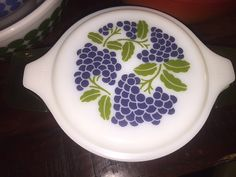 Vintage Pyrex Promo dish Casserole Grapes with plastic carrier