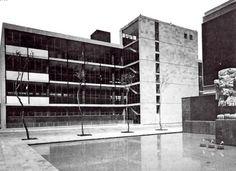 Edificio de la Junta Central de Conciliación y Arbitraje, México DF 1962    Arqs. Pedro Ramírez Vázquez y Rafael Mijares -    Central Board of Conciliation and Arbitration, 1962 Mexico DF