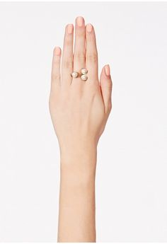 Adorn your hand with this stunning double pearl detail ring. The perfect way to add a contemporary take to your style.