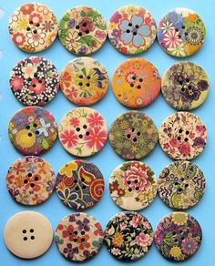 20 Painted Wood Buttons Extra Large Floral by BohemianFindings