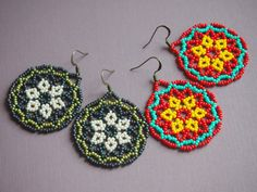 beadweaving tutorial: peyote flower seed bead disc earrings