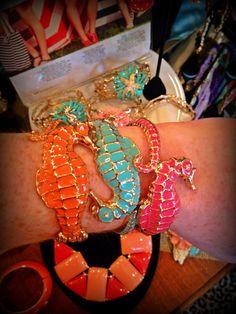 freaking seahorses... :) :) :) Dkm accessories