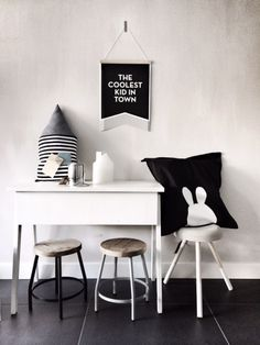 Black and white desk space - kids rooms