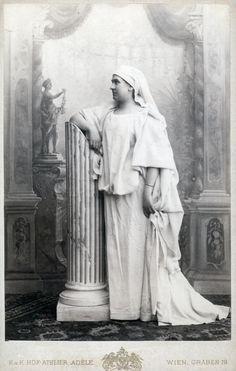 Kaiser Franz, Shattered Dreams, Elisabeth, Her World, Sissi, Amelie, Austria, Joseph, Statue