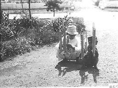 Street Angklung Players in Bandoeng 1930.