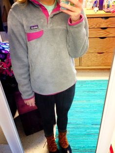 Patagonia Pullover - love the mix of colors! Fall Winter Outfits, Autumn Winter Fashion, Winter Clothes, Winter Ootd, Preppy Outfits, Cute Outfits, Prep Style, My Style, Preppy Mode