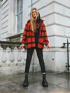 schöne Winteroutfits Find the most beautiful outfits for your winter look. Fashion Guys, Grunge Fashion, Look Fashion, Winter Fashion, Fashion Outfits, 90s Fashion, Street Fashion, Chicago Fashion, Travel Outfits