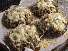 Portabella Mushrooms Stuffed with Sausage and Mozzarella Cheese - Food - Mushroom Recipes Low Carb Recipes, Cooking Recipes, Healthy Recipes, Game Recipes, Burger Recipes, Pork Recipes, Mushroom Recipes, Vegetable Recipes, Vegetable Sides