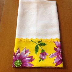 Great for an entryway or even bathroom. Dish Towels, Hand Towels, Tea Towels, Small Sewing Projects, Hot Pads, Kitchen Towels, Diy And Crafts, Sewing Patterns, Quilts