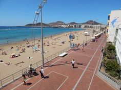 Las Canteras Beach in downtown Las Palmas and very close to HARVEN GROUP.
